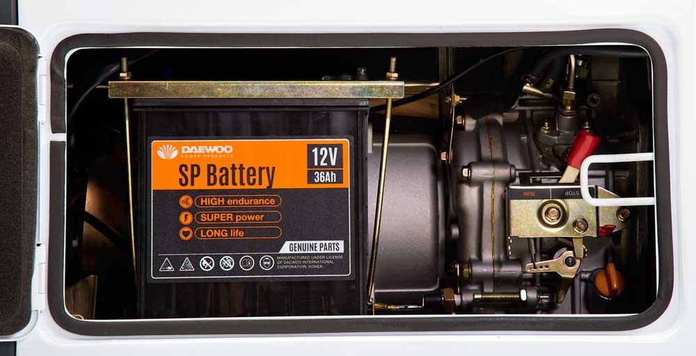 Дизельний електрогенератор Daewoo DDAE 10000DSE-3 (дворежимний 380/220 В)