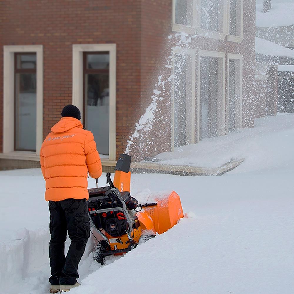 Бензиновий снігоприбирач Daewoo DAST 1370