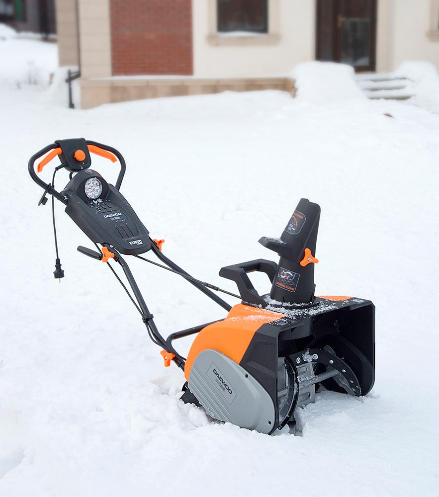 Електричний снігоприбирач Daewoo DAST 3000E