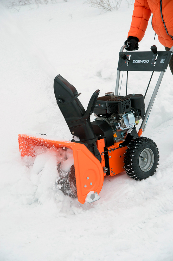 Роторний снігоприбирач Daewoo DASC 560T